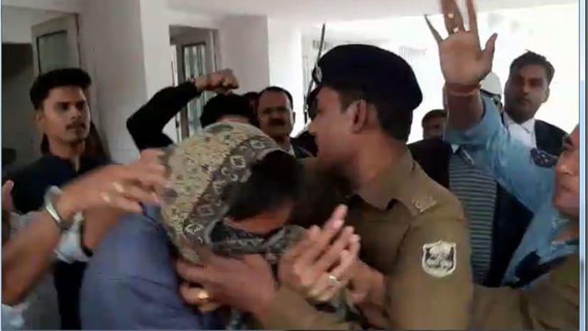फेसबुक पर पाकिस्तान जिन्दाबाद कहना युवक को पड़ा महंगा, ऐसे हुई धुनाई