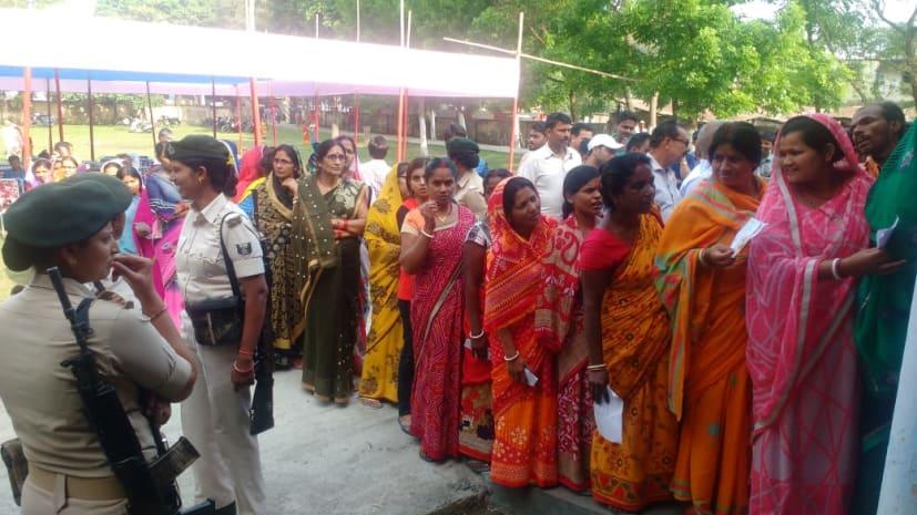 बिहार में पांच लोकसभा सीटों पर मतदान जारी, सुबह 8 बजे तक 4.54 फीसदी मतदान