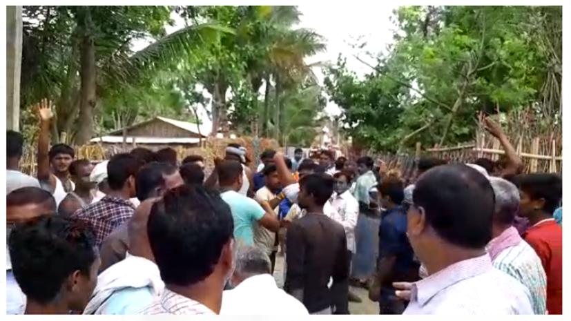 कटिहार में नाराज़ 1000 लोगों ने मतदान का बहिष्कार किया, मनाने में जुटे अधिकारी