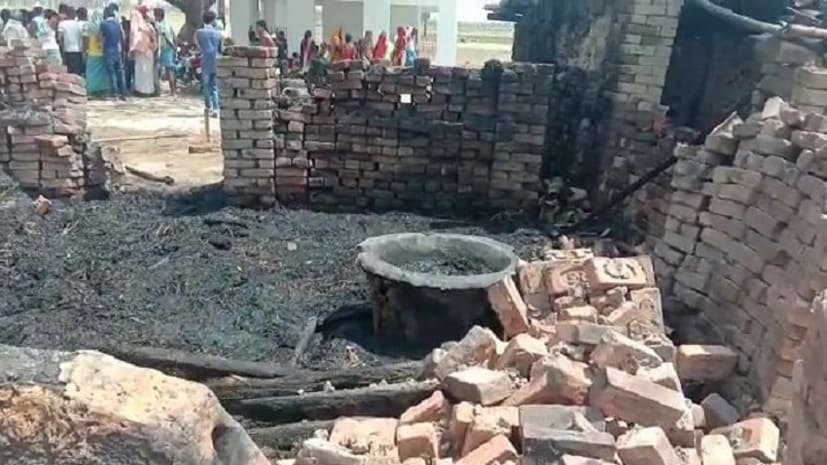 नवादा में गौशाला में लगी भीषण आग, जलने से तीन पशुओं की मौत, दो की हालत गंभीर