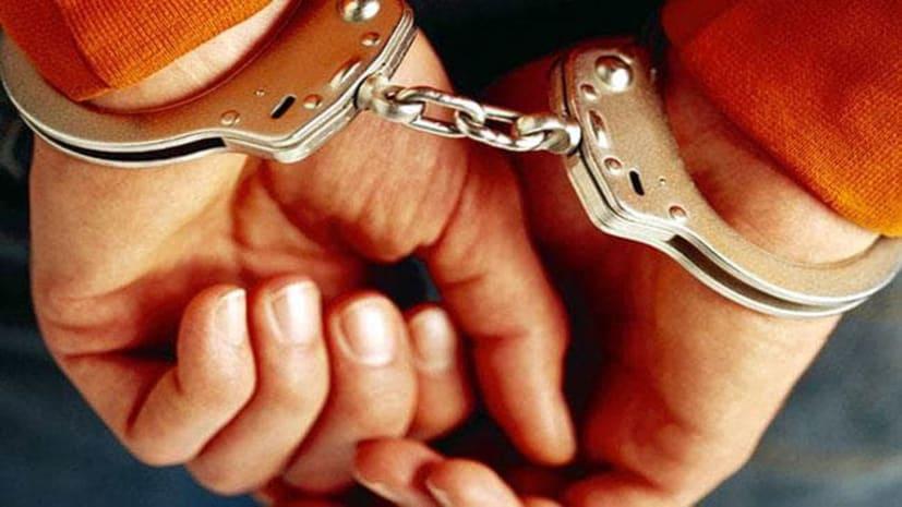 कुख्यात बापजी गैंग का सदस्य हरेन्द्र हथियार के साथ किया गिरफ्तार, पत्नी की हत्या समेत आधा दर्जन मामले में पुलिस को थी तलाश