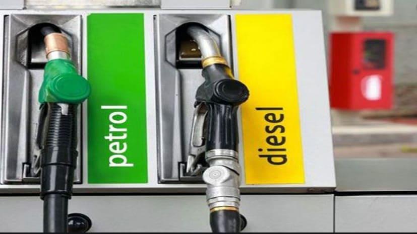 लगातार दूसरे दिन महंगा हुआ पेट्रोल और डीजल, जानिए आज कितनी बढ़ी कीमत