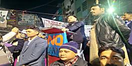 पटना के सब्जीबाग पहुंचे तेजस्वी यादव, कहा – कान खोल के सुन लें बीजेपी वाले मां और मुल्क बदले नहीं जाते