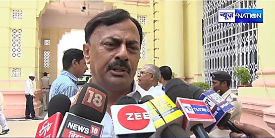 कांग्रेस नेता की दिनदहाड़े हत्या मामला,सदन में प्रेम चन्द्र मिश्रा ने पूछा मुख्यमंत्री जी बिहार में क्या हो रहा है...