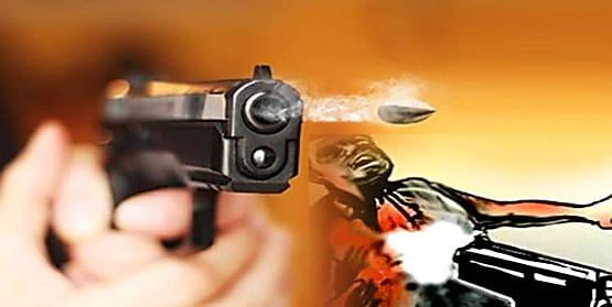 सीतामढ़ी में CSP संचालक पर ताबड़तोड़ फायरिंग, हथियार लहराते भागे अपराधी