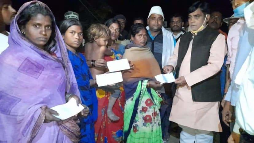 धनरुआ के सदिसोपुर में लगी आग की चपेट में आए पीड़ित परिवारों से मिलने पहुंचे पाटलिपुत्र सांसद रामकृपाल यादव