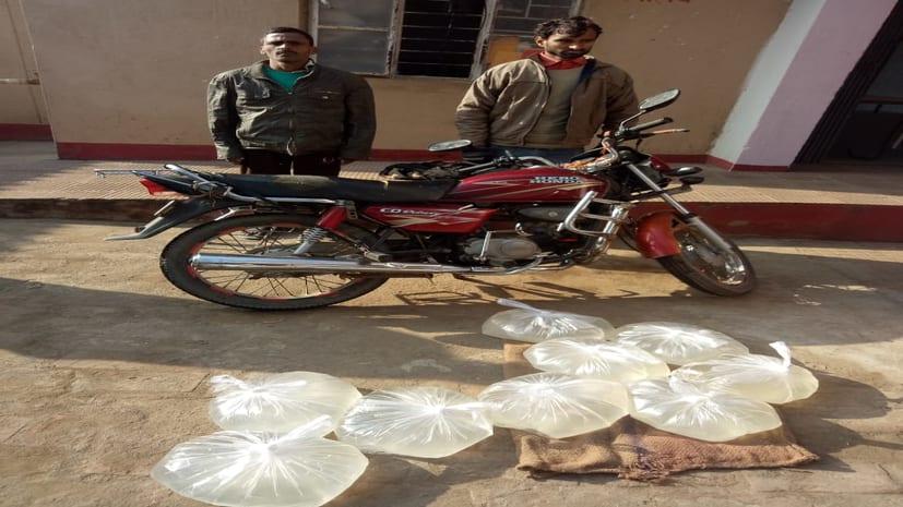 मसौढ़ी में 45 लीटर देसी शराब के साथ 2 तस्करों को पुलिस ने दबोचा
