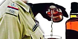शराब कारोबार के मामले में फरार चल रहे धंधेबाज थानेदार के घर की कुर्की