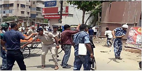 पटना के नेपाली नगर में स्थिति तनावपूर्ण, पुलिस ने किया लाठी चार्ज