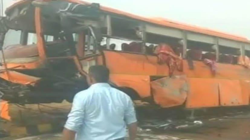 दिल्ली से बिहार आ रही बस डिवाइडर से टकराकर पलटी, 6 की मौत, 12 से अधिक लोग घायल