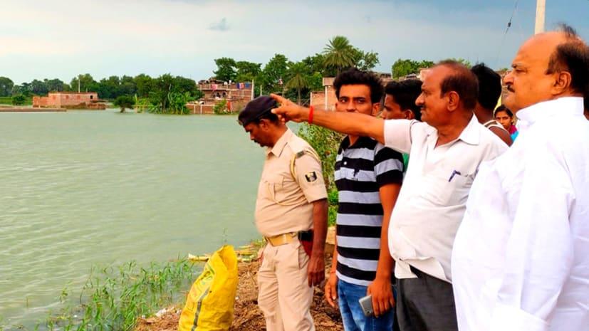 NEWS4NATION की खबर का हुआ असर, जल्ला के बाढ़ प्रभावित लोगों को राहत पहुँचाने का विधायक ने दिया निर्देश