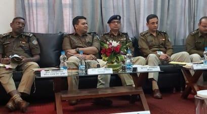 बिहार-झारखंड के आला अधिकारियों की हुई हाई लेवल मीटिंग, सीमावर्ती इलाकों में सुचारू रूप से मतदान कराने को लेकर रणनीति तैयार