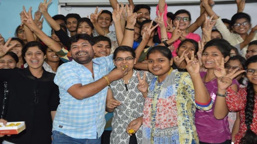 निफ्ट फाइनल में आरएफएस के छात्रों ने लहराया परचम, शत प्रतिशत को मिली सफलता