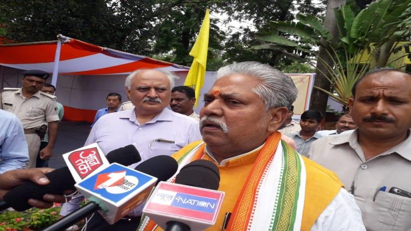 कृषि मंत्री बोले- लीची खाने से कोई बीमारी नहीं, बिहार के किसानों को बदनाम करने की साजिश