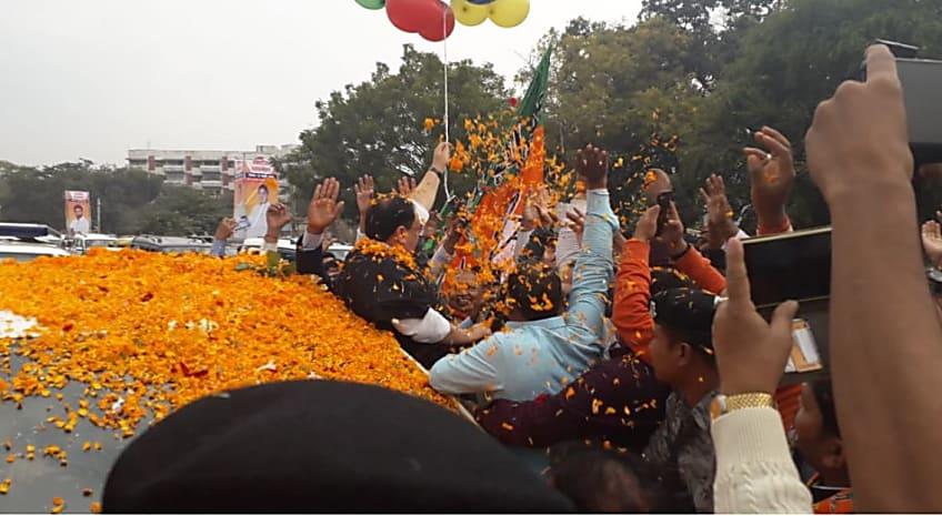 पटना पहुंचे बीजेपी के राष्ट्रीय अध्यक्ष जेपी नड्डा, एयरपोर्ट पर कार्यकर्ताओं ने किया भव्य स्वागत