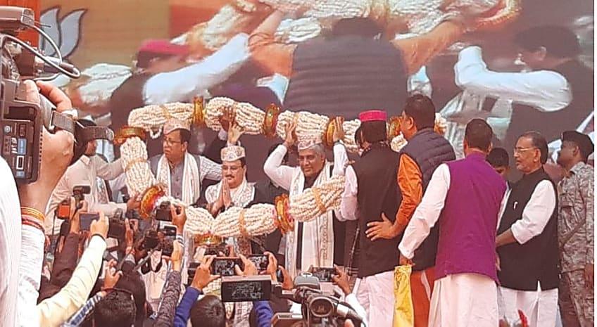 नड्डा पहुंचे  बीजेपी कार्यालय, गृह राज्य मंत्री समेत बीजेपी के सभी बड़े नेताओं ने किया भव्य स्वागत