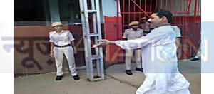 अभी-अभी : विधायक अनंत सिंह को लेकर पटना बेउर जेल पहुंची पुलिस