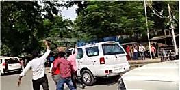 मुख्यमंत्री की गाड़ी पर स्याही फेंकने को लेकर पुलिस मुख्यालय सख्त, पूछा - CM की सुरक्षा में इतनी बड़ी चूक कैसे?