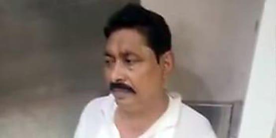 अभी-अभी : अनंत सिंह को पटना एयरपोर्ट से सीधा बाढ़ के लिए लेकर निकली पुलिस
