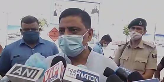 जदयू नेता संजय झा बोले, नौवीं फेल आदमी बिहार के विकास के बारे में क्या जाने, वो तो अनाप-शनाम बोलेगा ही
