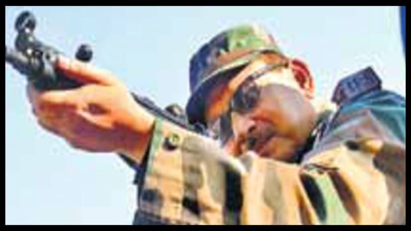जबरदस्त निशानची हैं बिहार के डीजीपी, गुप्तेश्वर पांडेय ने दाग दी 10 गोलियां