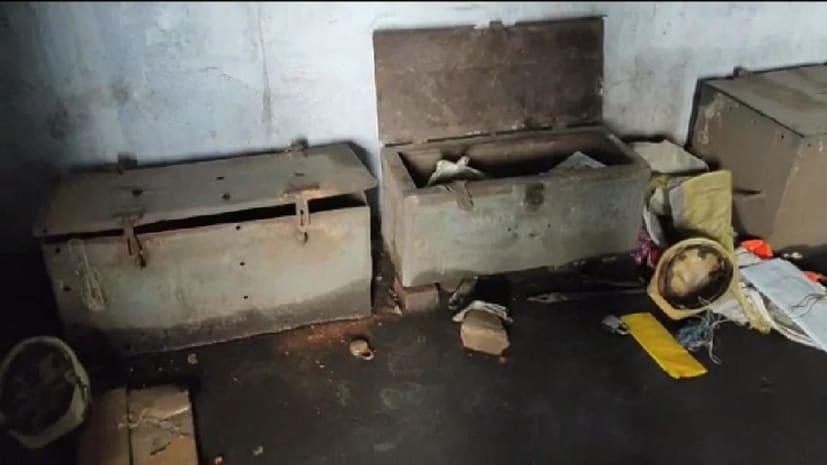 बीसीसीएल कोलियरी में अपराधियों ने जमकर मचाया तांडव, तीन लाख के सामान लुटे