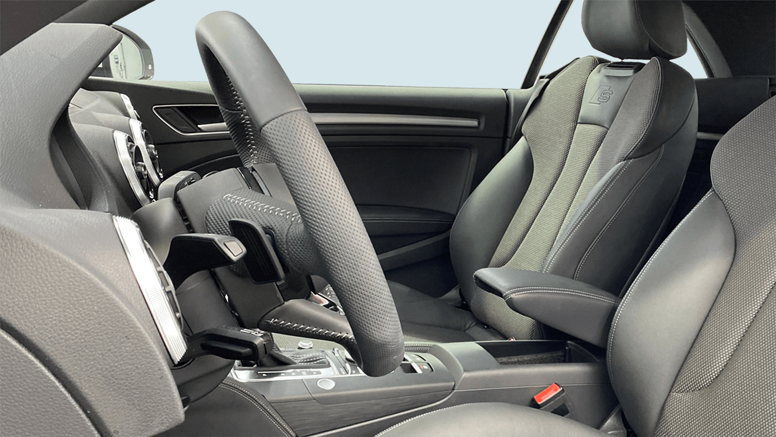 Audi A3 Cabriolet Weiss interior - Clyde Auto-Abo