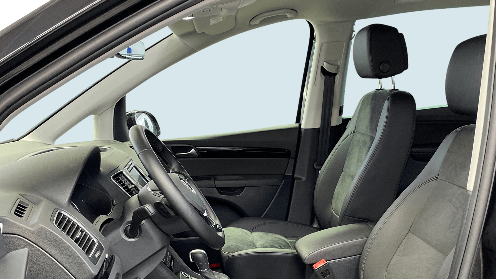 VW Sharan Schwarz interior - Clyde Auto-Abo