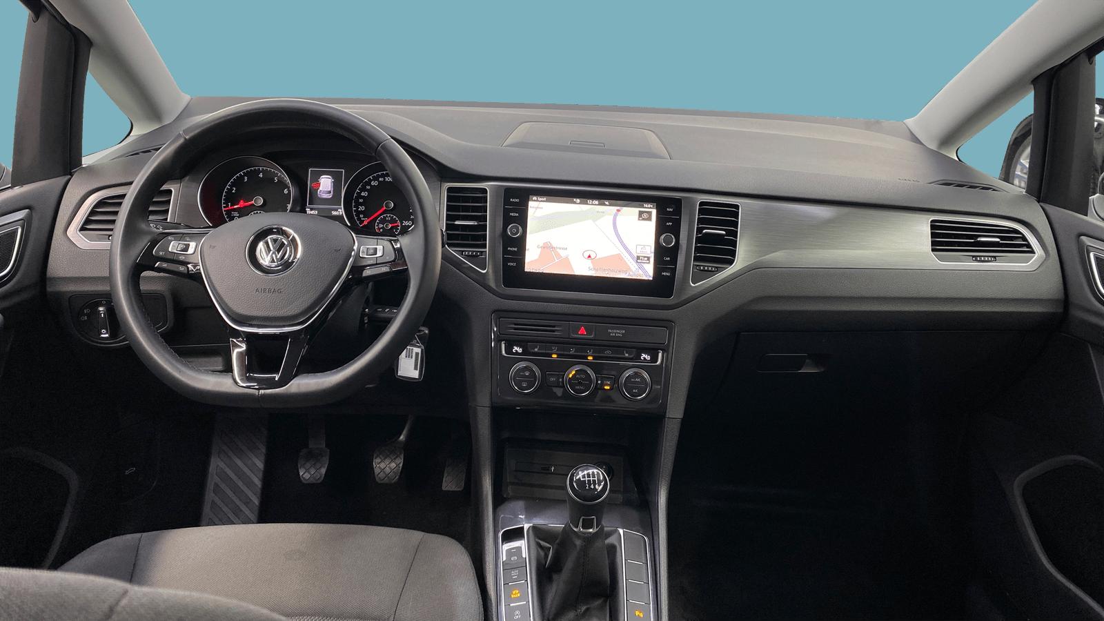 VW Golf Sportsvan Black interior - Clyde car subscription