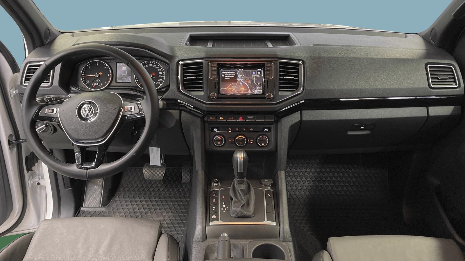 VW Amarok Weiss interior - Clyde Auto-Abo