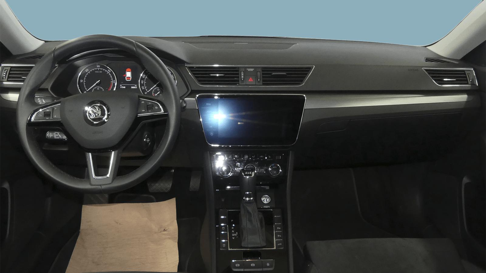 ŠKODA Superb Black interior - Clyde car subscription