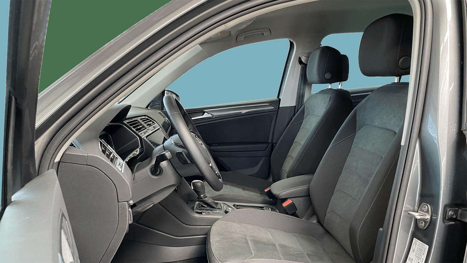 VW Tiguan Grau interior - Clyde Auto-Abo
