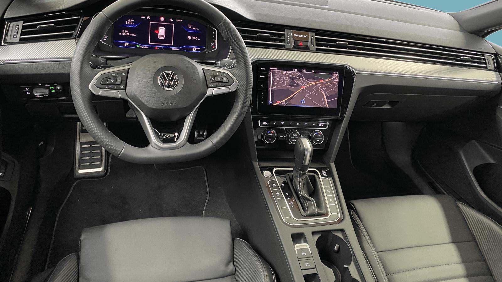 VW Passat Variant Grau interior - Clyde Auto-Abo