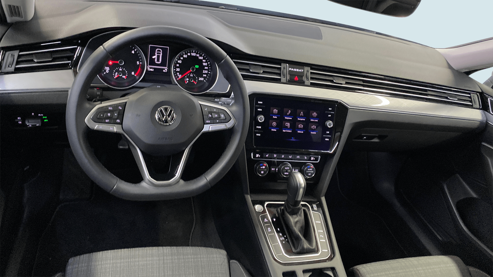 VW Passat Variant Silver interior - Clyde car subscription