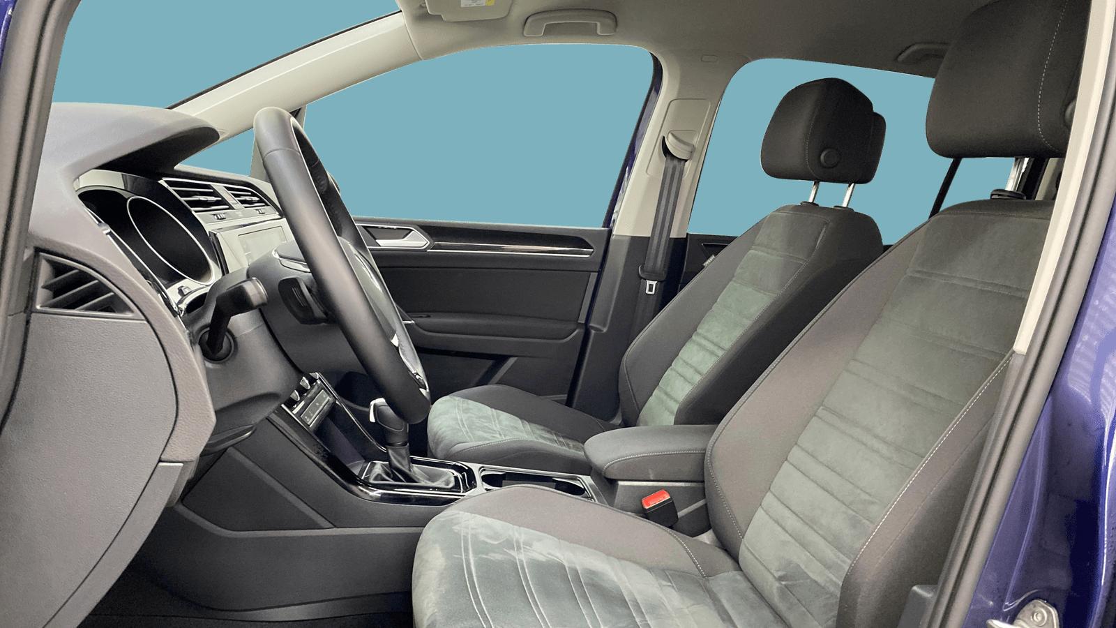 VW Touran Blau interior - Clyde Auto-Abo