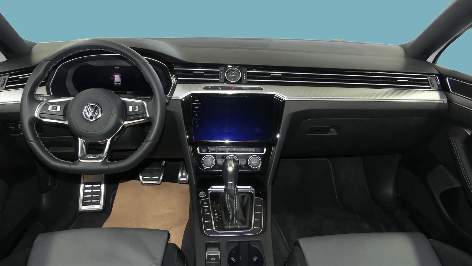 VW Passat Variant Weiss interior - Clyde Auto-Abo