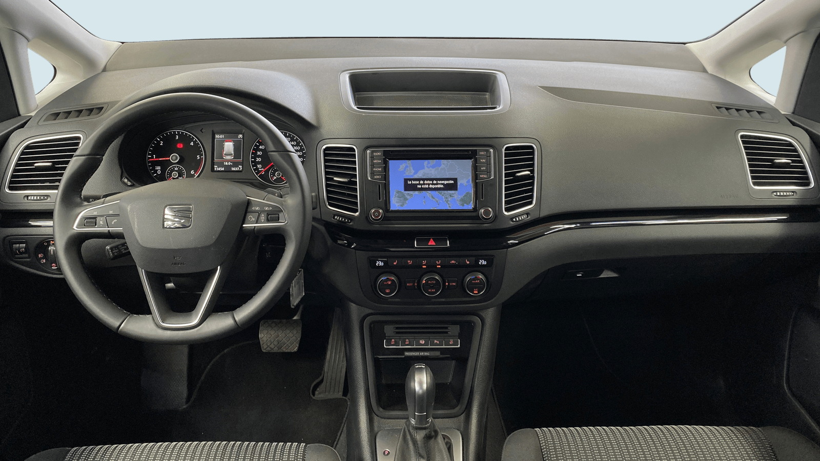 SEAT Alhambra Schwarz interior - Clyde Auto-Abo