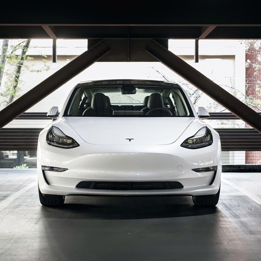 Das Tesla Model 3 im Auto Abo von Clyde