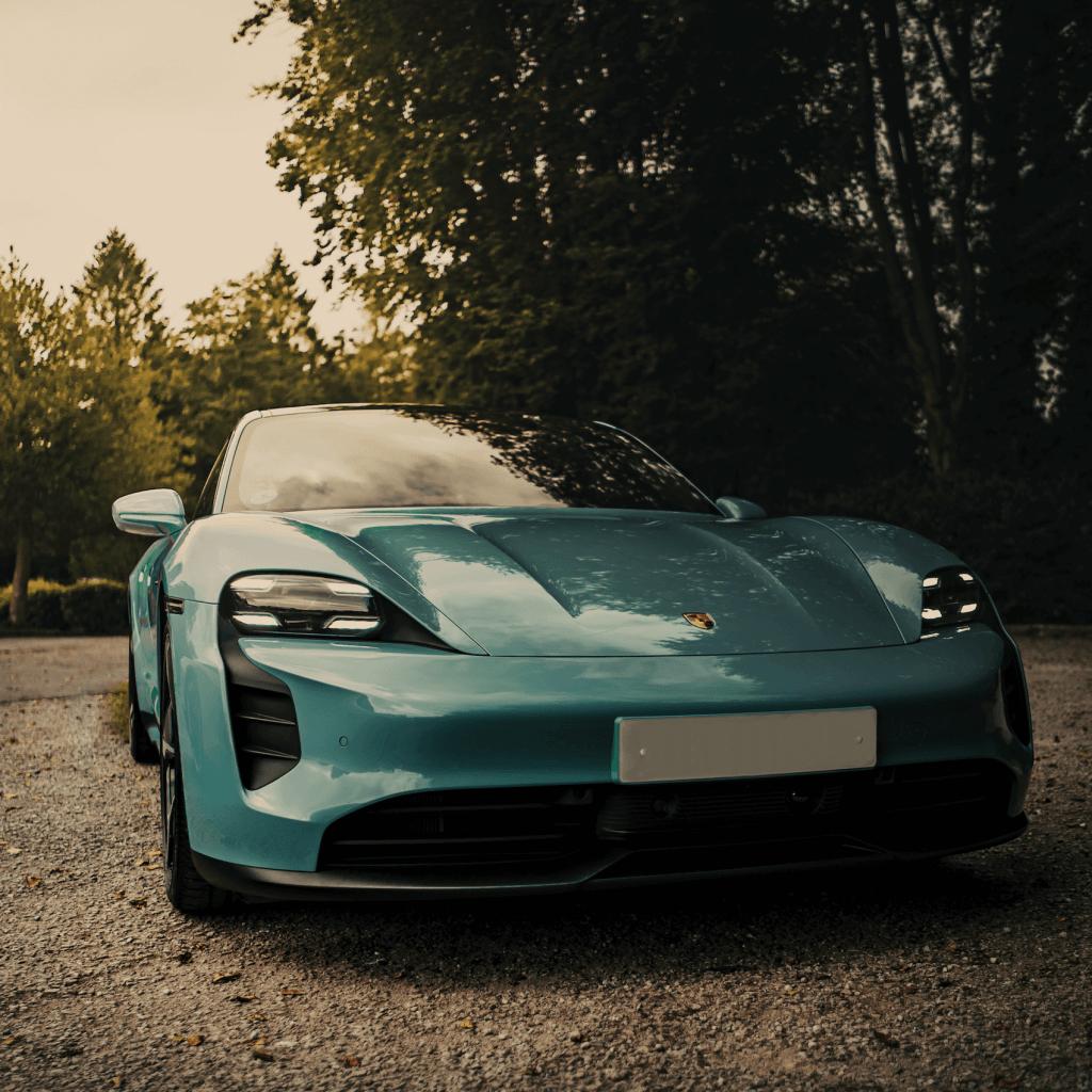 Der neue Porsche Taycan im Auto Abo von Clyde