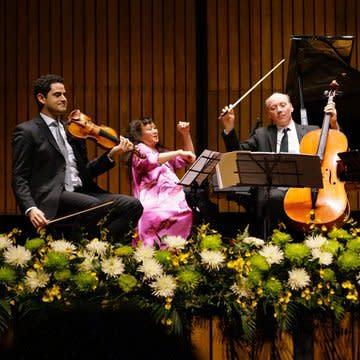 Arnaud Sussmann, Wu Han, Clive Greensmith