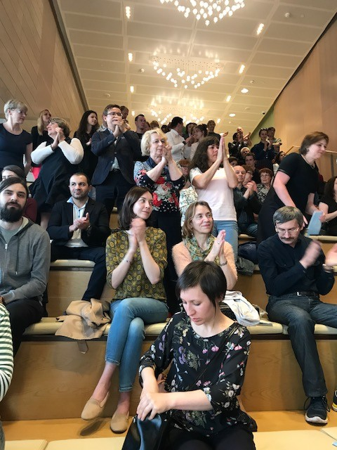 Applause at the Stravinsky Foyer
