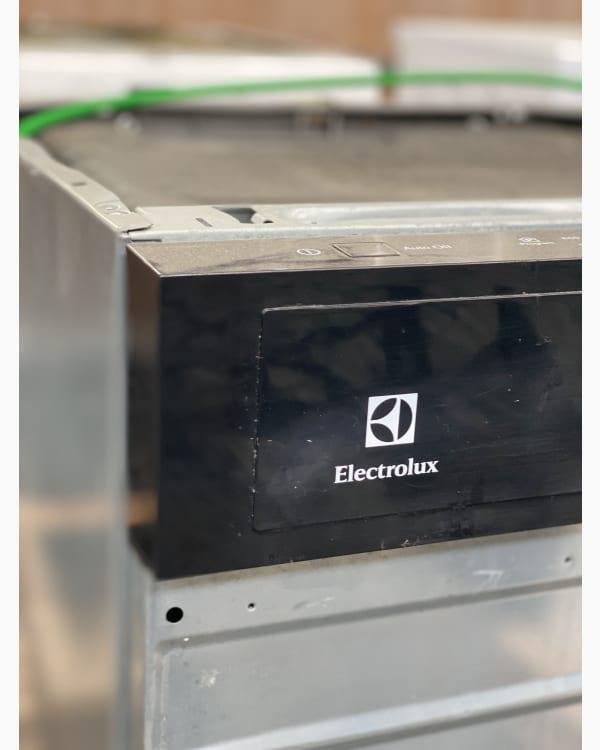 Lave-vaisselle Encastrable simple electrolux ESI6511LOK 4