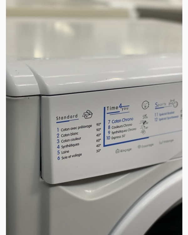 Lave-linge Ouverture frontale indesit WIXE12 3
