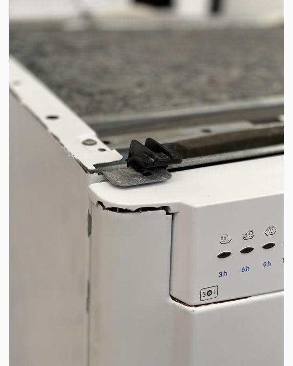 Lave-vaisselle Pose libre indesit IDL557 4