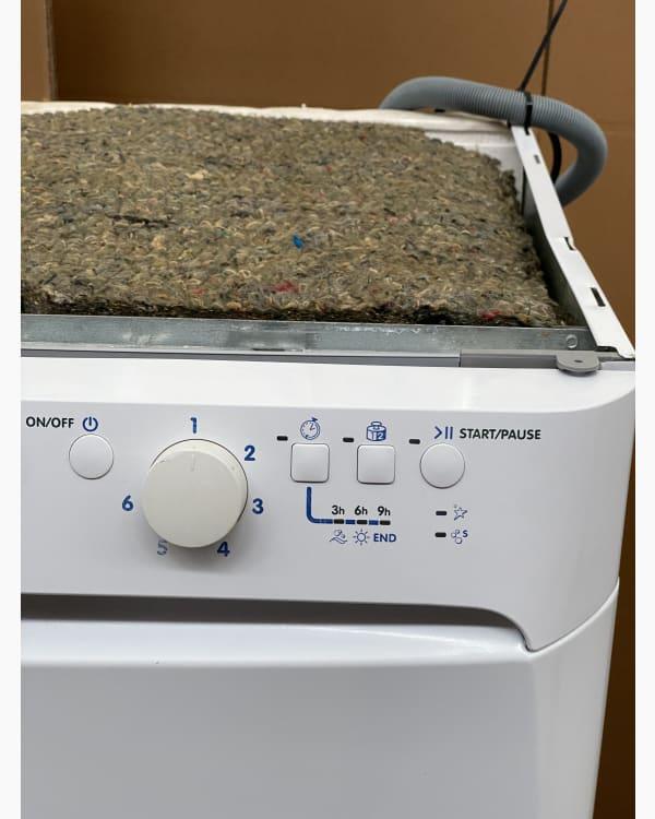 Lave-vaisselle Pose libre indesit DFP2631 2