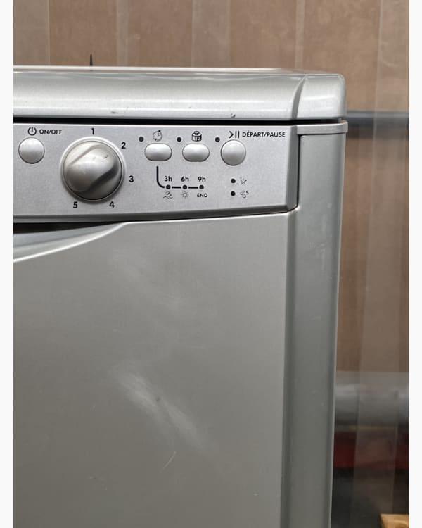 Lave-vaisselle Pose libre indesit DFG254SFR 2