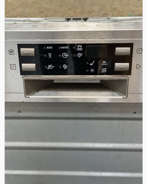 Lave-vaisselle Encastrable simple electrolux ESI650OLOX 2
