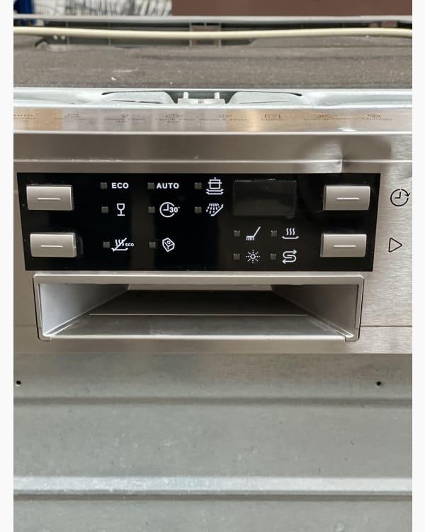 Lave-vaisselle Encastrable simple Electrolux esi6511lox 2