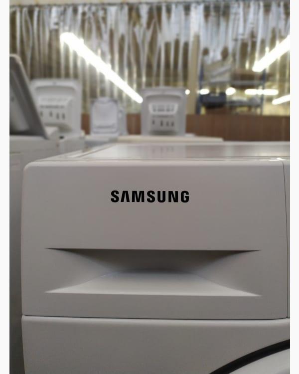 Lave-linge Ouverture frontale Samsung WF80F5E3U4W 2