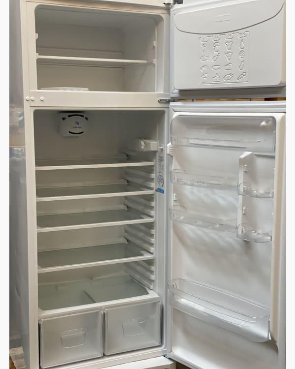Réfrigérateur Réfrigérateur combiné Indesit TAA5V1 2